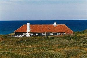 Holiday home. Built in 1929. Situated on a 2000 qm site. Sea view from house and site. The house is heated by electricity. 2 bathrooms with shower. 2 toilets. At least one bathroom with heated floor.  ...