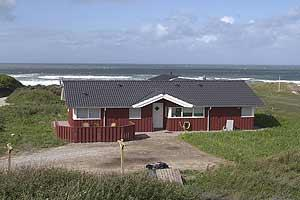 Holiday home. Built in 2004. Situated on a 2103 qm site. Sea view from house and site. The house is heated by electricity. 1 bathroom with shower. 2 toilets. At least one bathroom with heated floor. F ...