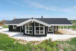 Holiday home. Built in 2002. Situated on a 1789 qm site. Sea view from house and site. The house is heated by electricity. 1 bathroom with shower. 1 toilet. At least one bathroom with heated floor. Fr ...