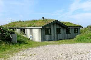 Holiday home. Built in 1976. Situated on a 1400 qm site. Sea view from the site. The house is heated by electricity. 1 bathroom with shower. 1 toilet. At least one bathroom with heated floor. Oven/min ...
