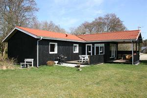 Holiday home. Built in 1983. Situated on a 1567 qm site. The house is heated by electricity. 1 bathroom with shower. 1 toilet. Freezer. Oven/minioven. Woodburning stove. Digital satellite dish. High c ...