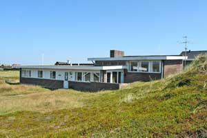 Holiday home. Built in 1977. Situated on a 1250 qm site. Sea view from the site. The house is heated by electricity. 1 bathroom with shower. 1 toilet. Microwave oven. Oven/minioven. Fire place/woodbur ...