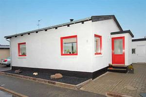 Holiday home. Built in 1964. Renovated in 2007. Situated on a 400 qm site. The house is heated by both electricity and oil. 1 bathroom with shower. 1 toilet. Freezer. Dish washer. Woodburning stove. S ...