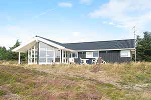 Holiday home. Built in 2003. Situated on a 1200 qm site. Fiord view from the house. The house is heated by electricity. 1 bathroom with shower. 1 toilet. At least one bathroom with heated floor. Micro ...