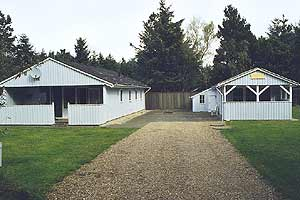 Holiday home. Built in 1979. Situated on a 1200 qm site. The house is heated by electricity. 2 bathrooms with shower. 2 toilets. Freezer. Microwave oven. Dish washer. Oven/minioven. Woodburning stove. ...