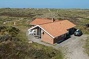 Holiday home. Built in 1993. Situated on a 2211 qm site. The house is heated by electricity. 2 bathrooms with shower. 2 toilets. At least one bathroom with heated floor. Freezer. Microwave oven. Dish  ...