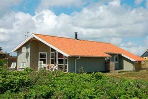 Holiday home. Built in 1995. Situated on a 1250 qm site. The house is heated by electricity. 1 bathroom with shower. 2 toilets. At least one bathroom with heated floor. Freezer. Microwave oven. Dish w ...