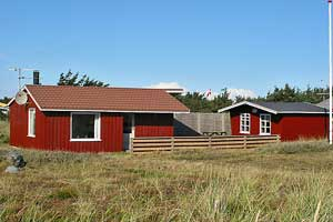 Holiday home. Built in 1963. Situated on a 1853 qm site. The house is heated by electricity. 1 bathroom with shower. 1 toilet. At least one bathroom with heated floor. Freezer. Microwave oven. Oven/mi ...