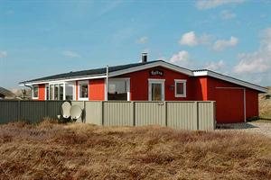 Holiday home. Renovated in 2005. Situated on a 2200 qm site. The house is heated by electricity. 1 bathroom with shower. 1 toilet. At least one bathroom with heated floor. Freezer. Microwave oven. Dis ...
