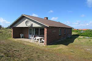 Holiday home. Built in 1979. Renovated in 2000. Situated on a 1200 qm site. The house is heated by electricity. 1 bathroom with shower. 1 toilet. Freezer. Dish washer. Oven/minioven. Woodburning stove ...