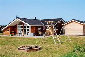 Holiday home. Built in 2007. Situated on a 1000 qm site. The house is heated by electricity. 1 bathroom with shower. 2 toilets. At least one bathroom with heated floor. Freezer. Microwave oven. Dish w ...