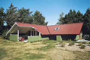 Holiday home. Built in 1981. Renovated in 2001. Situated on a 1150 qm site. The house is heated by electricity. 1 bathroom with shower. 1 toilet. At least one bathroom with heated floor. Freezer. Micr ...