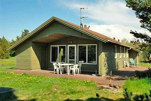 Holiday home. Built in 1997. Situated on a 1100 qm site. Sea view from house and site. The house is heated by electricity. 1 bathroom with shower. 1 toilet. At least one bathroom with heated floor. Fr ...