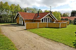 Holiday home. Built in 1994. Situated on a 1600 qm site. The house is heated by electricity. 1 bathroom with shower. 2 toilets. At least one bathroom with heated floor. Microwave oven. Dish washer. Ov ...