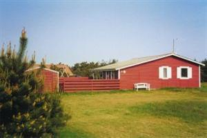 Holiday home. Built in 1966. Renovated in 1999. Situated on a 1350 qm site. The house is heated by electricity. 1 bathroom with shower. 1 toilet. At least one bathroom with heated floor. Microwave ove ...