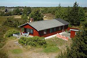 Holiday home. Built in 1969. Renovated in 2000. Situated on a 2500 qm site. Sea view from house and site. The house is heated by electricity. 1 bathroom with shower. 1 toilet. At least one bathroom wi ...