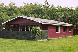 Holiday home. Built in 1979. Renovated in 1996. Situated on a 800 qm site. The house is heated by electricity. 1 bathroom with shower. 1 toilet. Freezer. Microwave oven. Dish washer. Woodburning stove ...