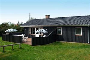 Holiday home. Built in 1982. Renovated in 2007. Situated on a 1300 qm site. The house is heated by electricity. 1 bathroom with shower. 1 toilet. At least one bathroom with heated floor. Freezer. Micr ...