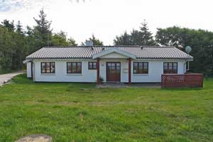 Holiday home. Built in 1955. Renovated in 2000. Situated on a 1700 qm site. Sea view from house and site. The house is heated by electricity. 1 bathroom with shower. 2 toilets. At least one bathroom w ...