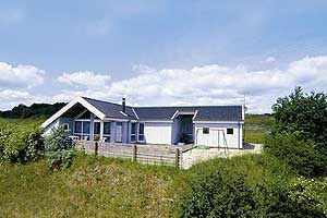Holiday home. Built in 1994. Situated on a 1450 qm site. Sea view from house and site. The house is heated by electricity. 1 bathroom with shower. 1 toilet. At least one bathroom with heated floor. Fr ...