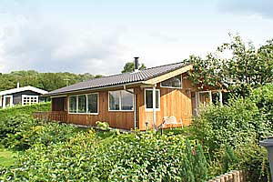 Holiday home. Built in 1972. Renovated in 2001. Situated on a 750 qm site. Fiord view from house and site. The house is heated by electricity. 1 bathroom with shower. 1 toilet. At least one bathroom w ...