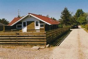 Holiday home. Built in 1996. Situated on a 600 qm site. Sea view from house and site. The house is heated by electricity. 1 bathroom with shower. 1 toilet. Freezer. Microwave oven. Dish washer. Oven/m ...