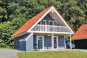 Holiday home. Built in 2005. Situated on a 300 qm site. Fiord view from the house. The house is heated by electricity. 1 bathroom with shower. 2 toilets. At least one bathroom with heated floor. Freez ...