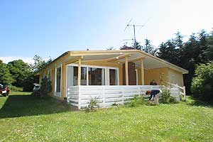 Holiday home. Built in 1975. Renovated in 2004. Situated on a 1200 qm site. The house is heated by electricity. 1 bathroom with shower. 1 toilet. At least one bathroom with heated floor. Freezer. Wood ...