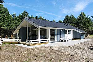Holiday home. Built in 2005. Situated on a 902 qm site. The house is heated by electricity. 2 bathrooms with shower. 2 toilets. At least one bathroom with heated floor. Freezer. Microwave oven. Dish w ...