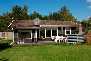 Holiday home. Built in 1974. Renovated in 2003. Situated on a 855 qm site. The house is heated by electricity. 1 bathroom with shower. 1 toilet. Freezer. Microwave oven. Dish washer. Woodburning stove ...