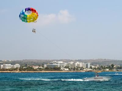 Paragliding ved Ayia Napa, Cypern - 1064