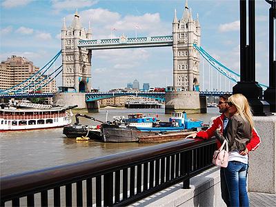 Tower Bridge i London - 359