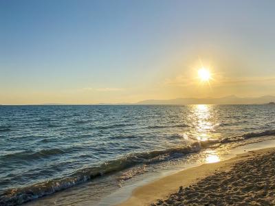 Solnedgang ved stranden - 952